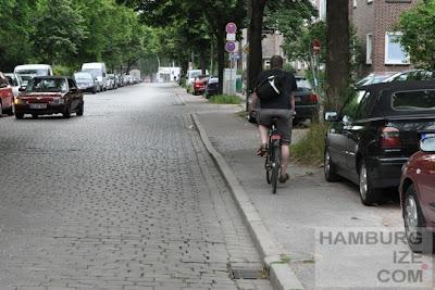 """""""Radweg"""" Hellbrookstraße"""