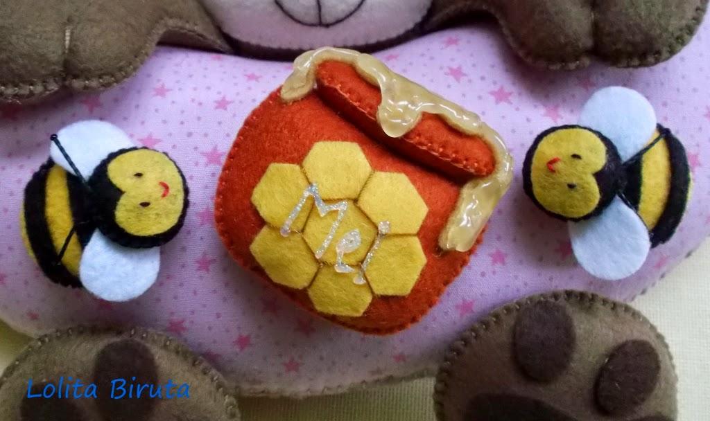 Abelhinhas com pote de mel em feltro