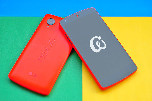 Nexus 5 Mockups PSD
