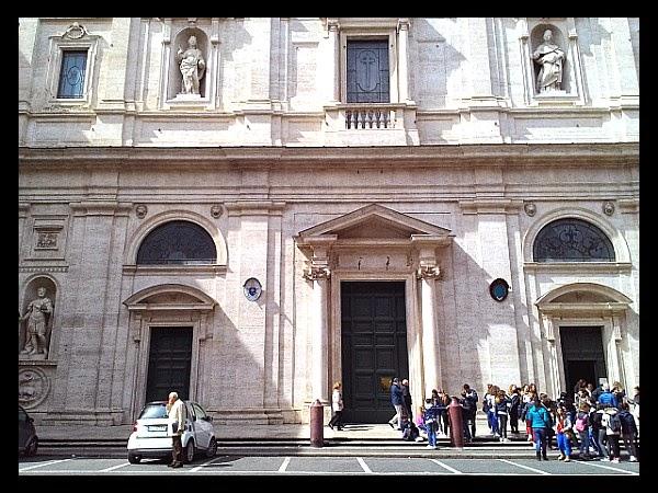 Fasada kościoła S. Luigi dei Francesi w Rzymie