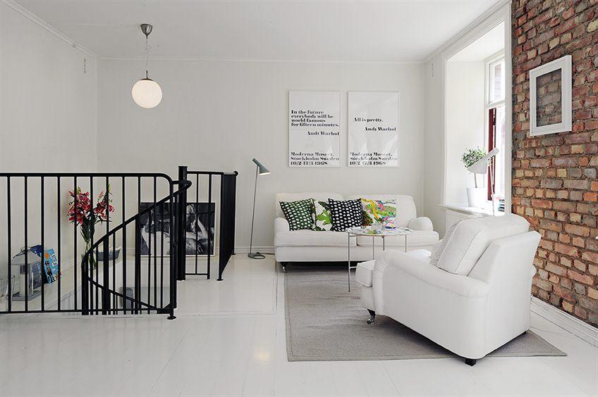 Flex inredning tegelv ggar och spiraltrappa for Duplex house interior designs in india