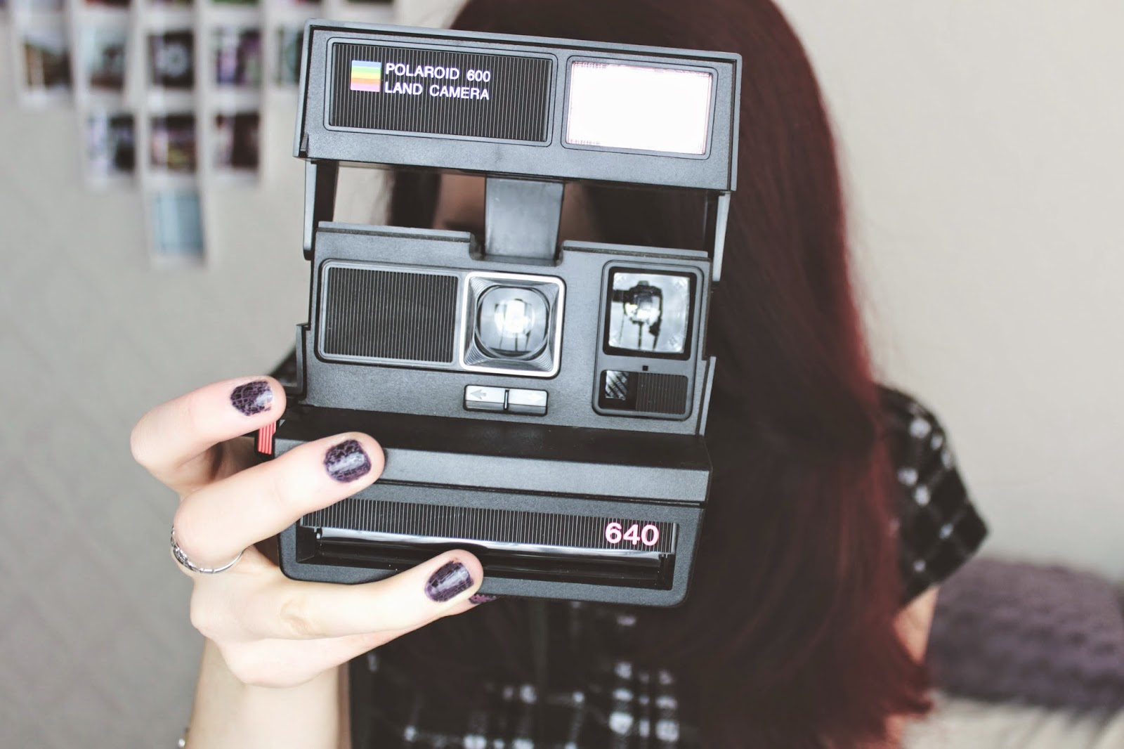girl-polaroid-vintage-retro-camera-instagram