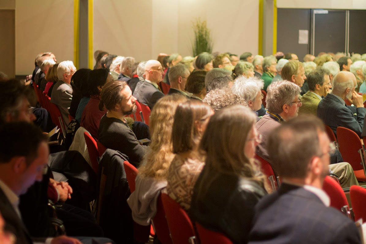 audience of the academic remembrance