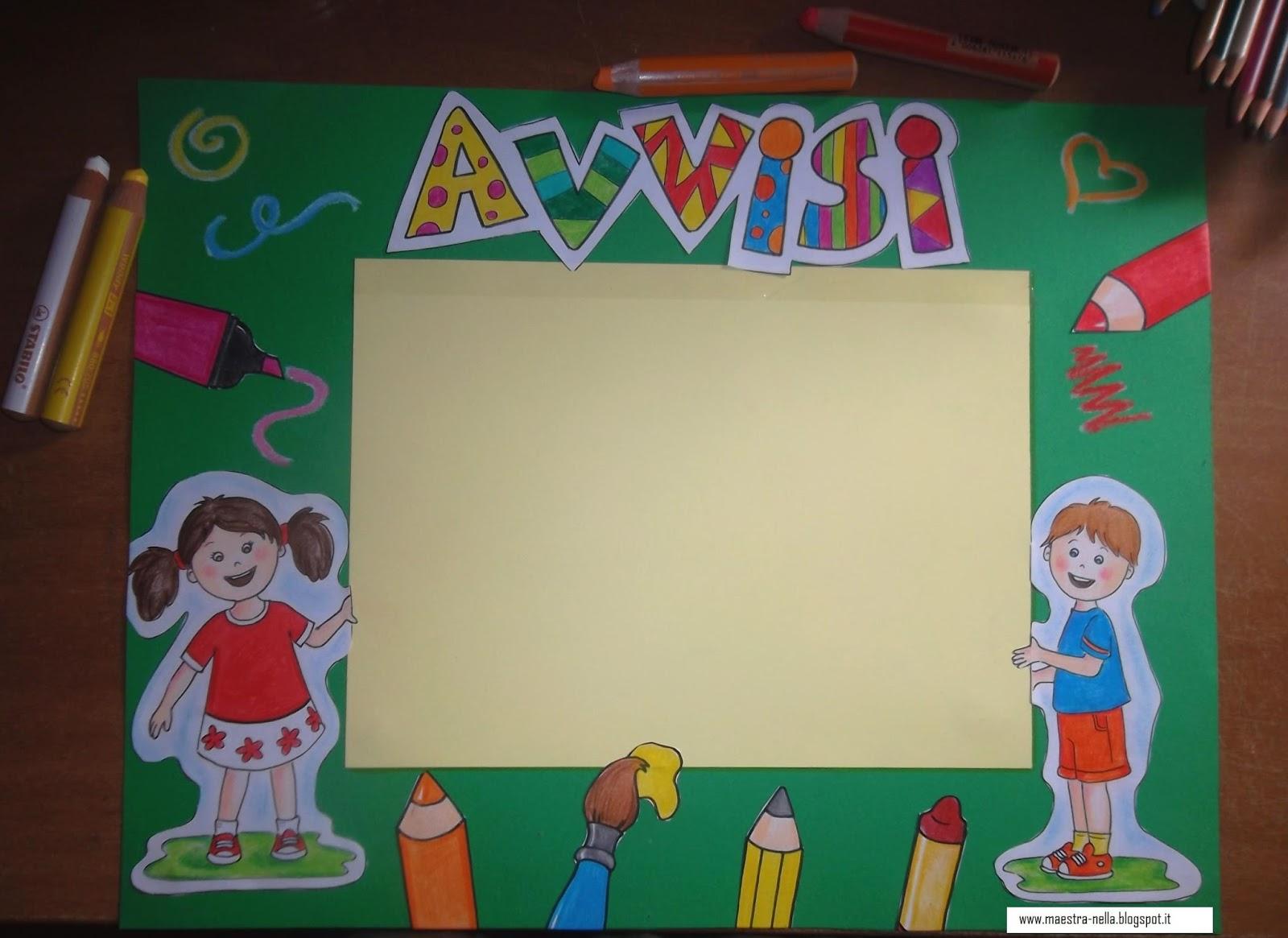 Maestra nella il cartellone degli avvisi for Cartelloni scuola infanzia