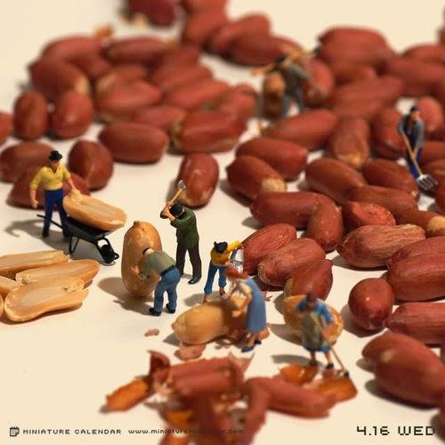 12-Efficiency-Tatsuya-Tanaka-Miniature-Calendar-Worlds-www-designstack-co