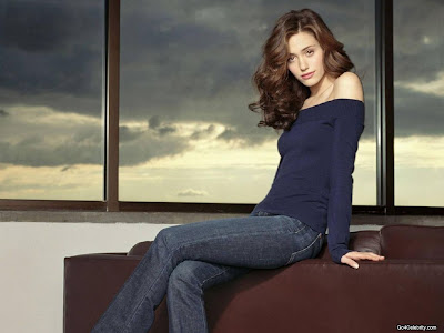 Emma Rossum Beautiful wallpaper 3