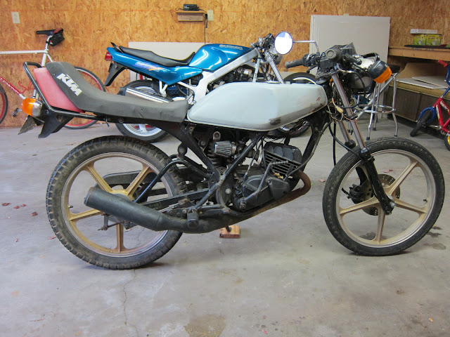 The Kawasaki AR80 of my dreams.  And possibly of other peoples' nightmares.