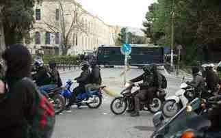 Η Ελλάδα στο έλεος των αναρχικών! Έκαναν μοτοπορεία στους δρόμους της Αθήνας... Εννοείται ανενόχλητοι