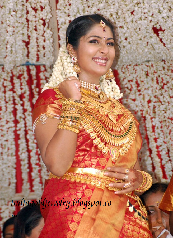 Kerala Wedding Jewellery Photos Navya Nair in Kerala Bridal