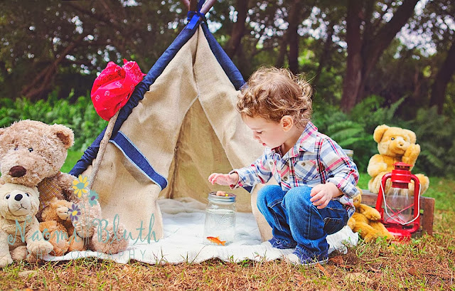 Boca Raton Child photographer tent teepee Naomi Bluth