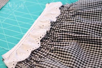 تفصيل فستان لبنت