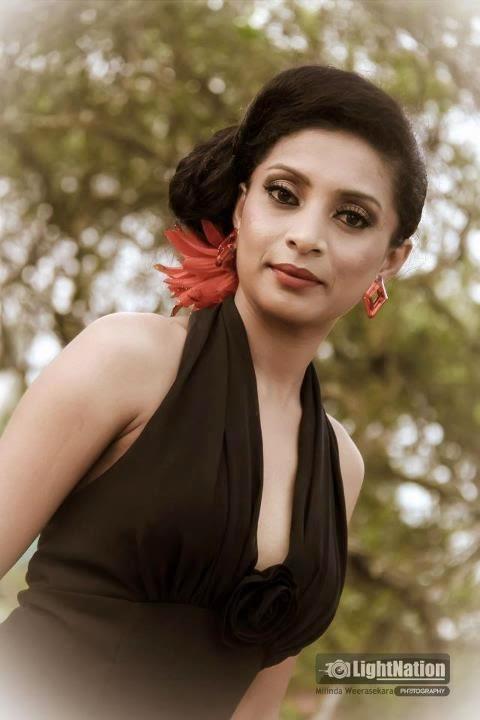 Sri Lankan Hot lady Photo Collection 1