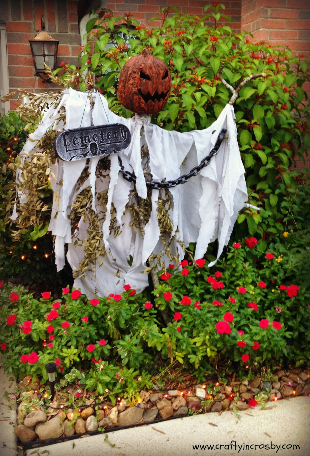 Crafty in Crosby: Creepy Pumpkin Scarecrow