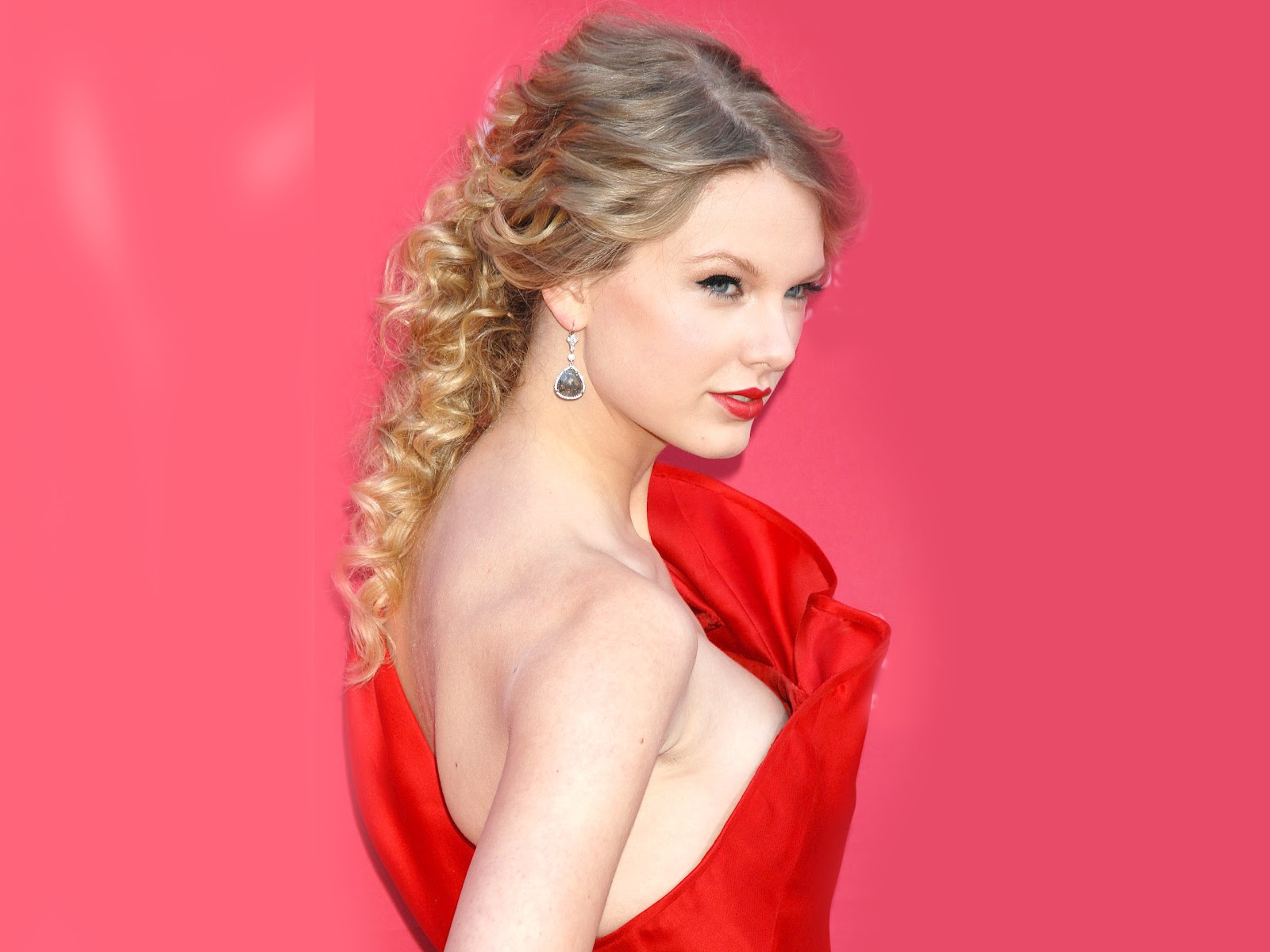 http://2.bp.blogspot.com/-OWlePeVH1kM/TzDlPlKOApI/AAAAAAAAGLA/NS13YRvBn3E/s1600/Taylor+Swift+Wallpaper-7.jpg
