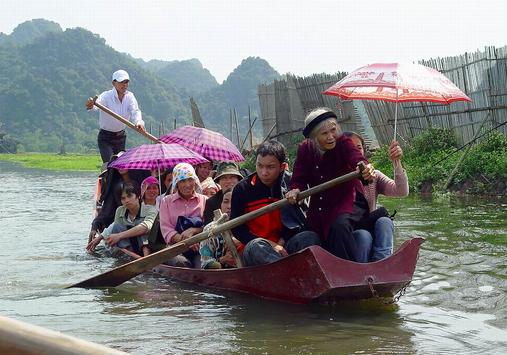 Dịch vụ cho thuê xe đi chùa Hương giá tốt nhất Hà Nội