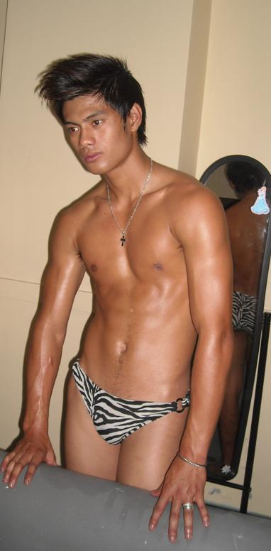 Pinoy Macho Dancers For Hire http://pinoyindiefilmactors.blogspot.com/2012/09/james-pinca.html