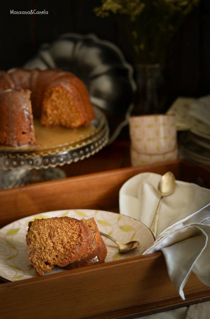 Bundt cake de dulce de leche (y salsa de toffee)