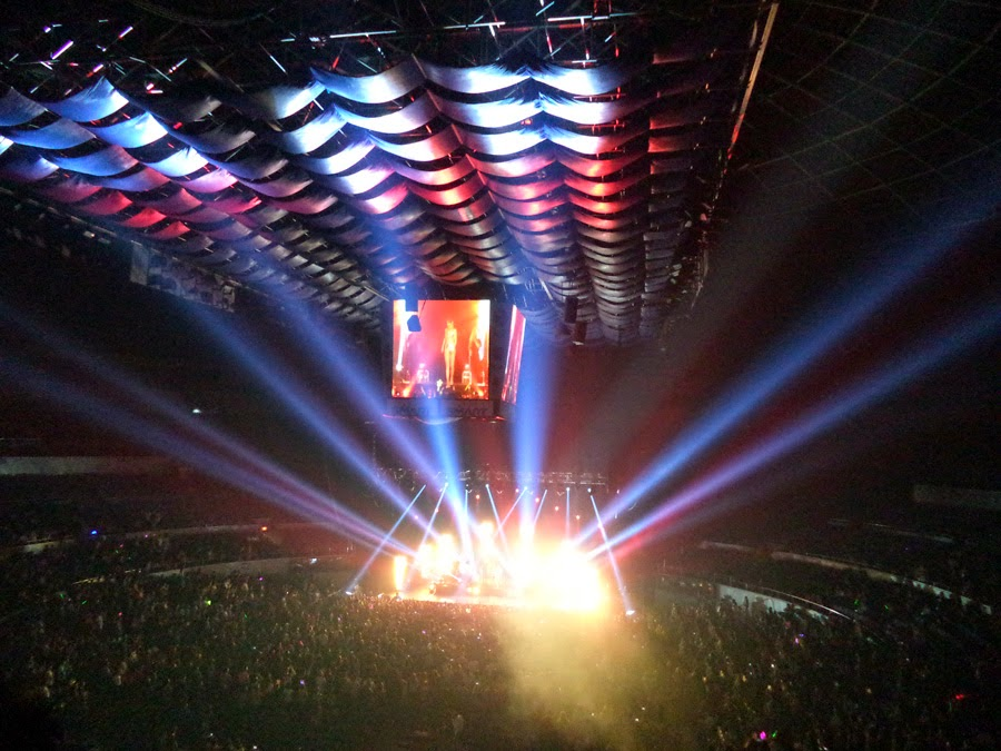Jessie J Live in Manila 2014 - Crowd