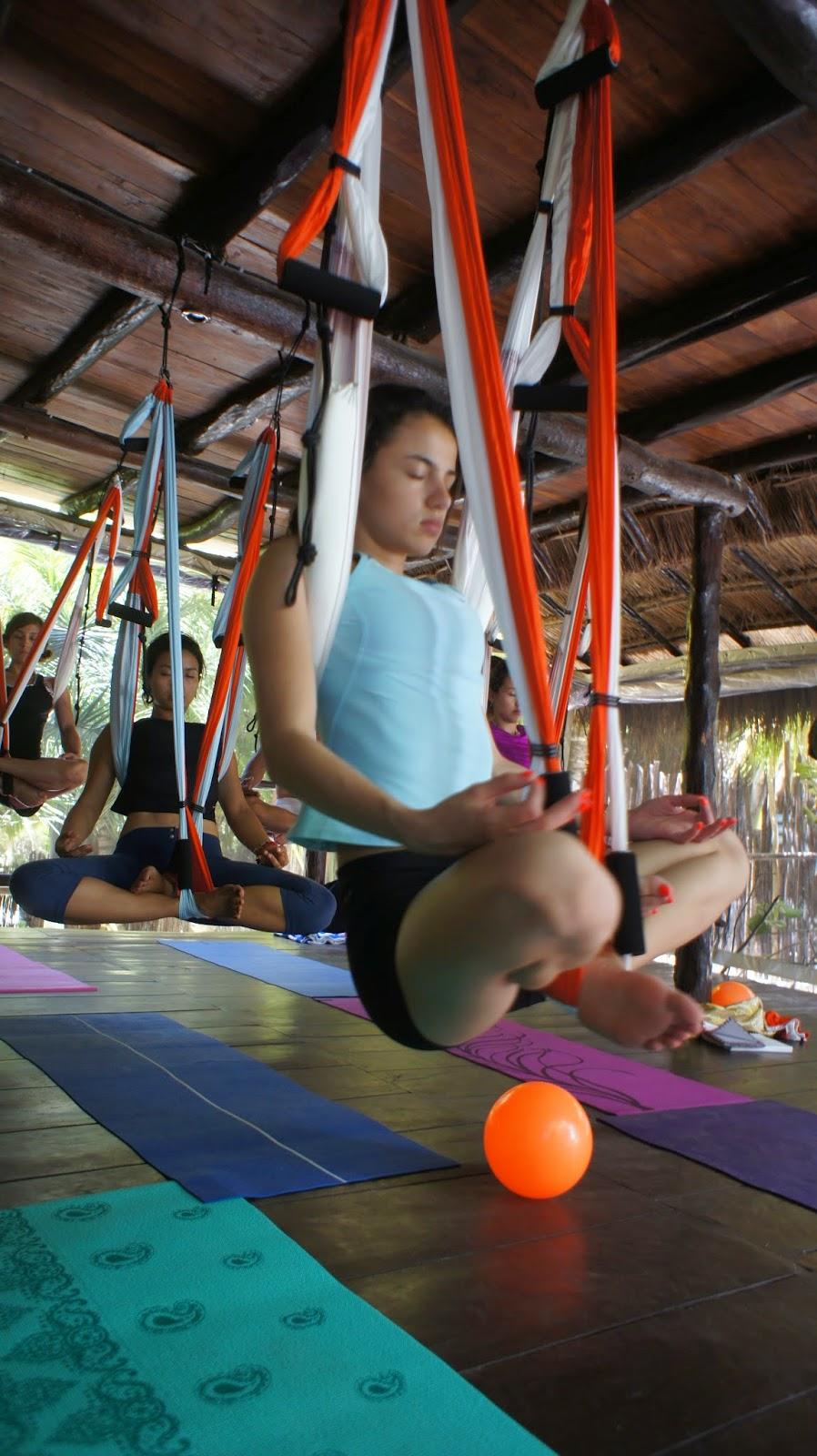 Aeroyoga - Yoga en el Aire