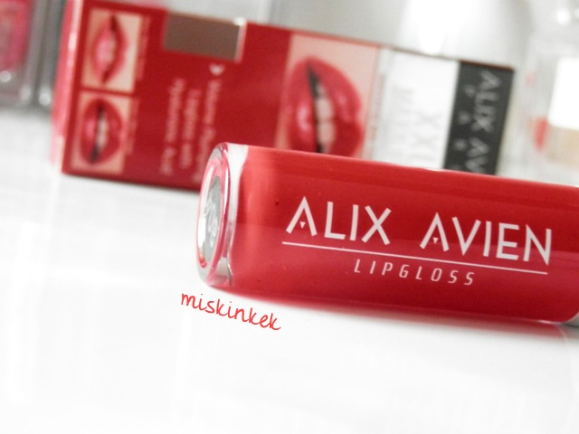 alix-avien-dudak-dolgunlastirici-kirmizi-lipgloss