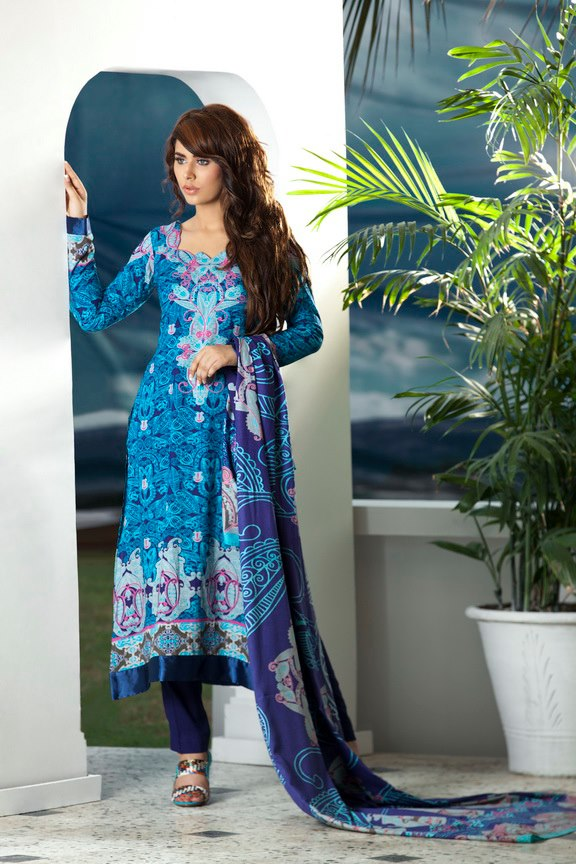 FirdousWinterColectioninEmbroudered252842529 - Firdous Embroidered Range for Winter 2012