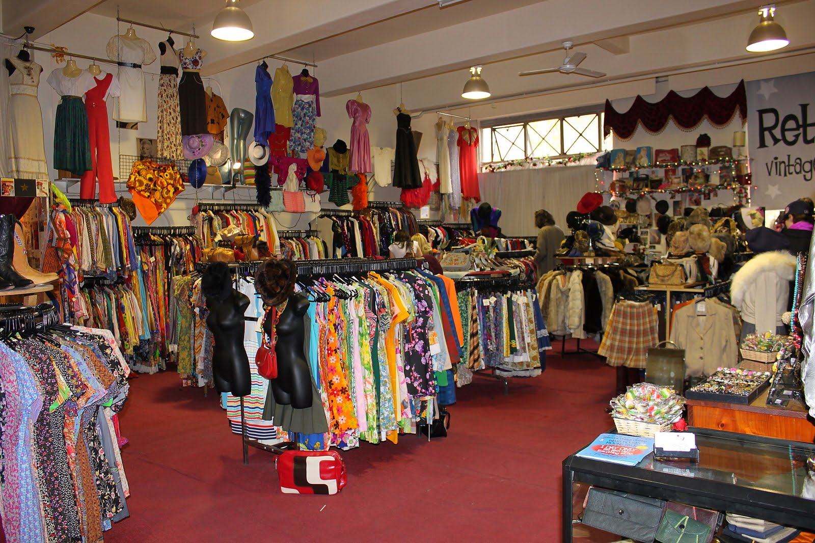 vintage clothing store clothes