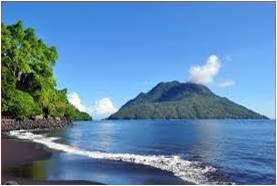 http://gallery-wisata.blogspot.com/2015/07/pantai-sulamadaha-di-ternate-maluku-utara-sangat-mempesona.html
