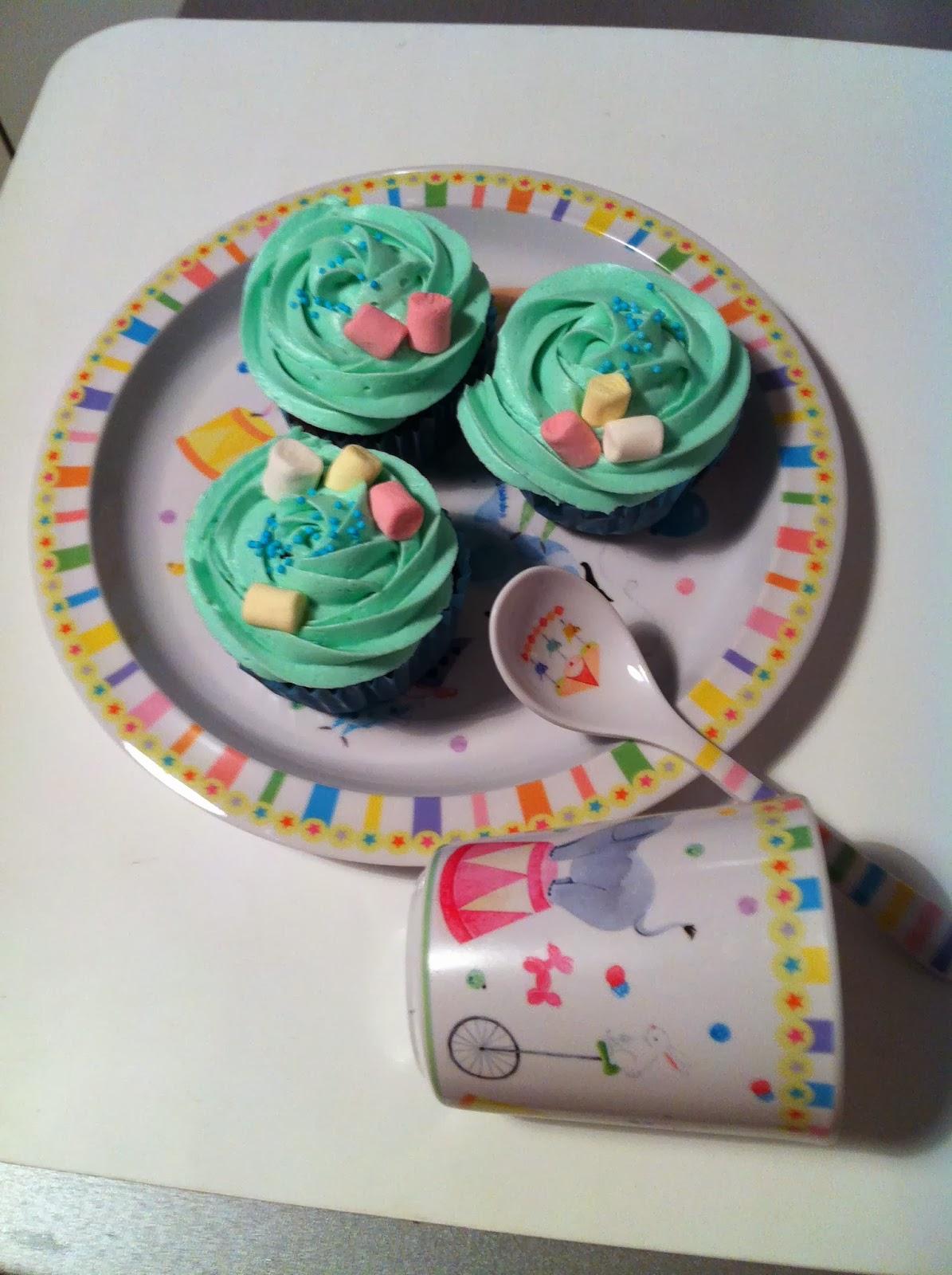 Cupcakes de chocolate negro y chocolate blanco