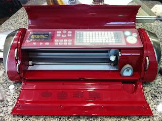 cricut cake decorating machine