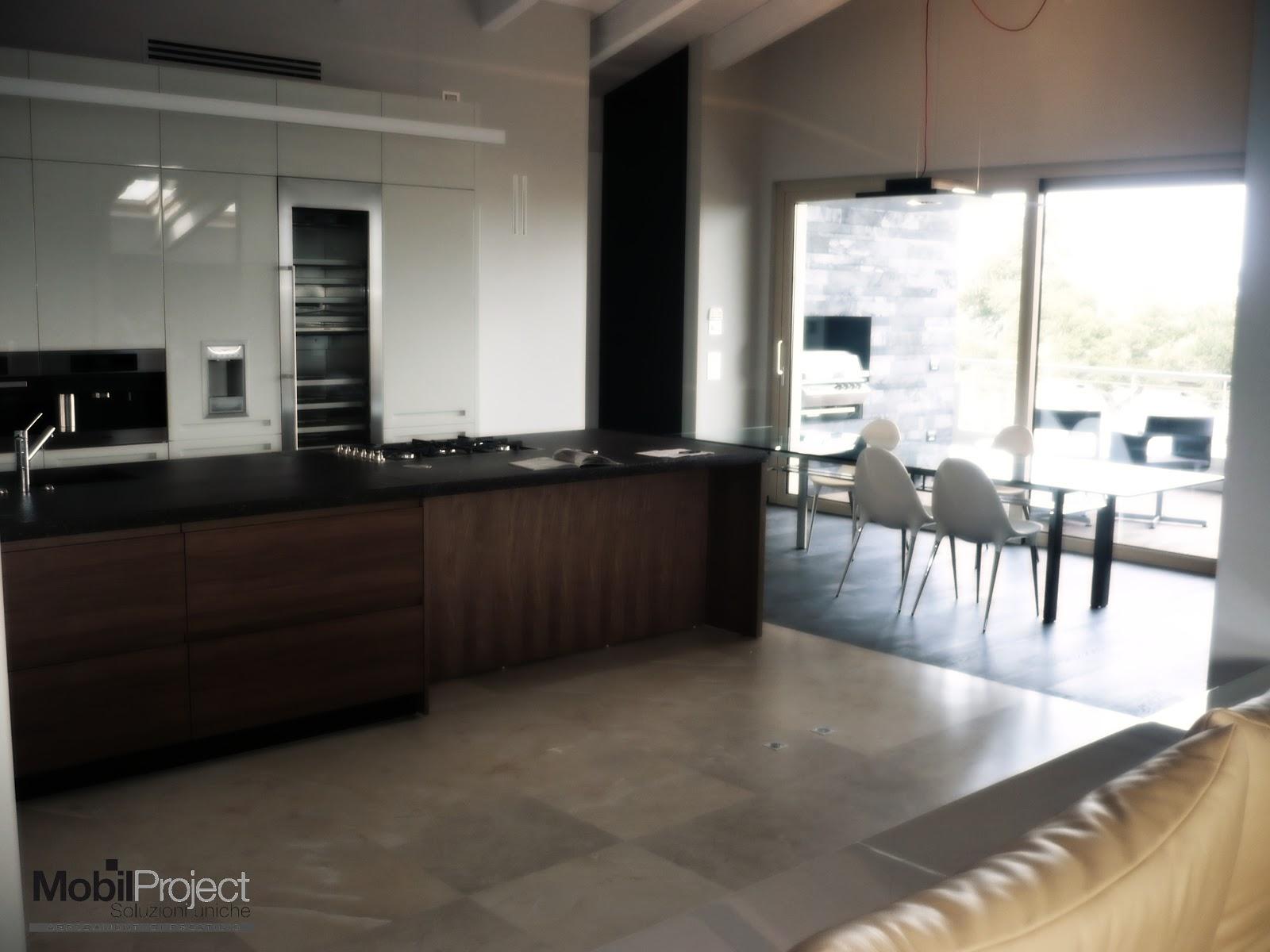 Soluzioni uniche design artigianale italiano la cucina - Soluzioni no piastrelle cucina ...
