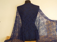 TE KOOP: hele luxe !nachtblauwe donkerblauwe shawl.