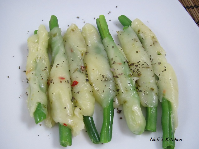 French Bean with Pepper Jack Cheese