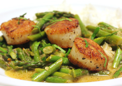 lisa is cooking: Thai-Style Scallops and Asparagus