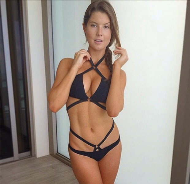 Hot Girls Looking More Hotter in Bikini