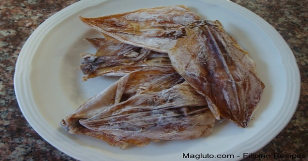 Filipino Recipe Pritong Daing na Pusit (Fried Dried Squid)