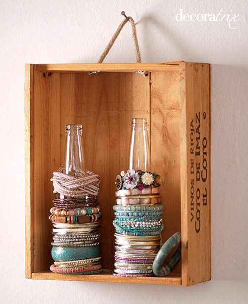 Bracelet Holder from Bottles