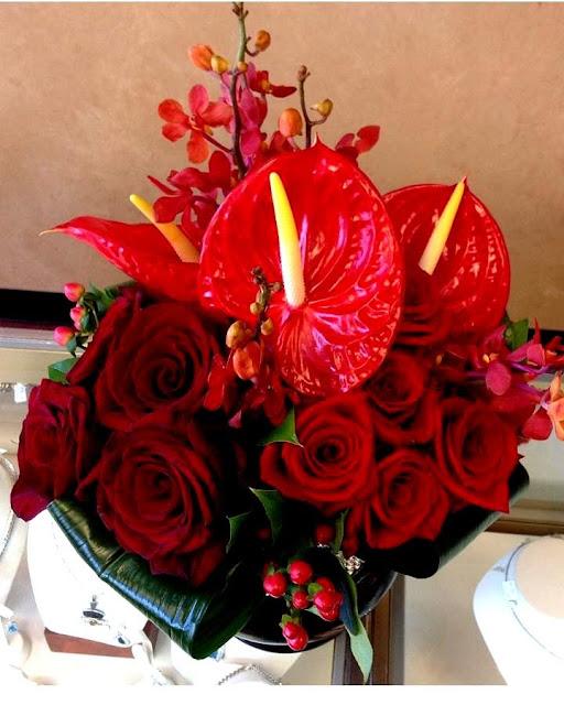 Isha Foss Events roses, aspidistra, mokara orchids, anthurium