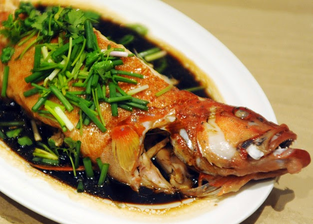 Steamed fish with light soy sauce cantonese style for Chinese steamed fish