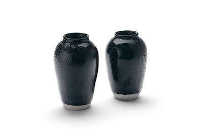 Black Seto jars