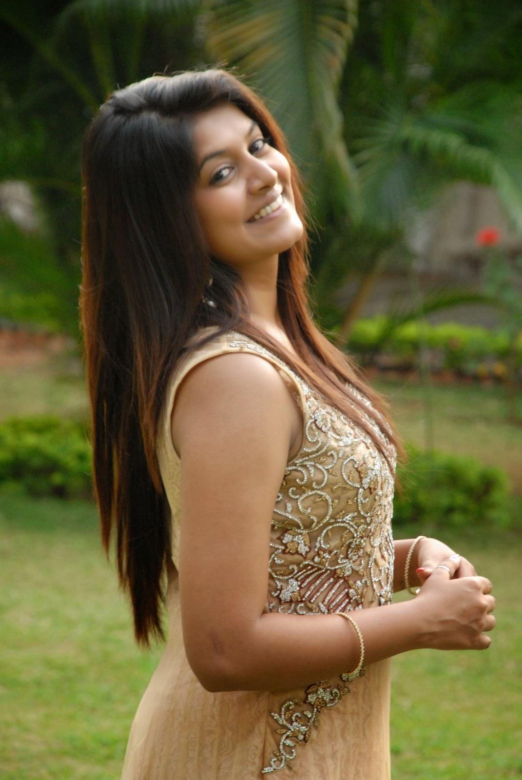 Kavya Kumar Latest Pics in Gown-HQ-Photo-11