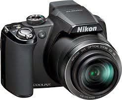NIKON DIGITAL CAMERA: DIGITAL SLR Kamera