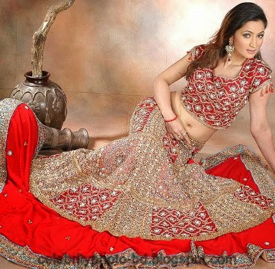 Girls+in+Weddings+and+Bridal+Dressing+Latest+New+Collection007