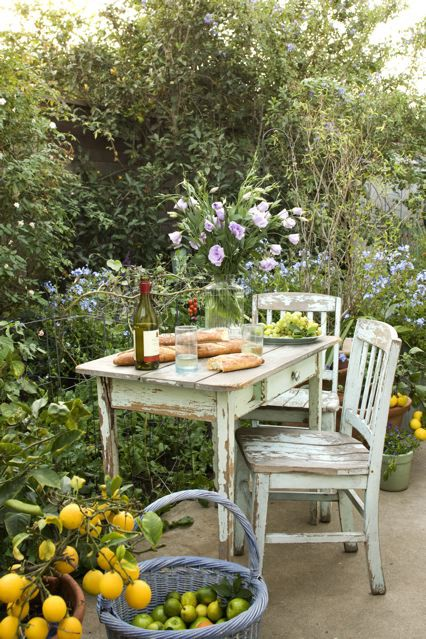 Inspire bohemia outdoor dining parties part ii - Garden furniture shabby chic ...