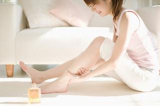 cach tay long chan tai nha 3 Khám phá 3 cách tẩy lông chân siêu rẻ siêu tiết kiệm
