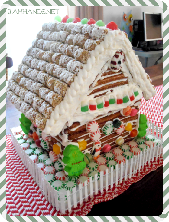 Jam hands gingerbread log cabin gingerbread log cabin maxwellsz
