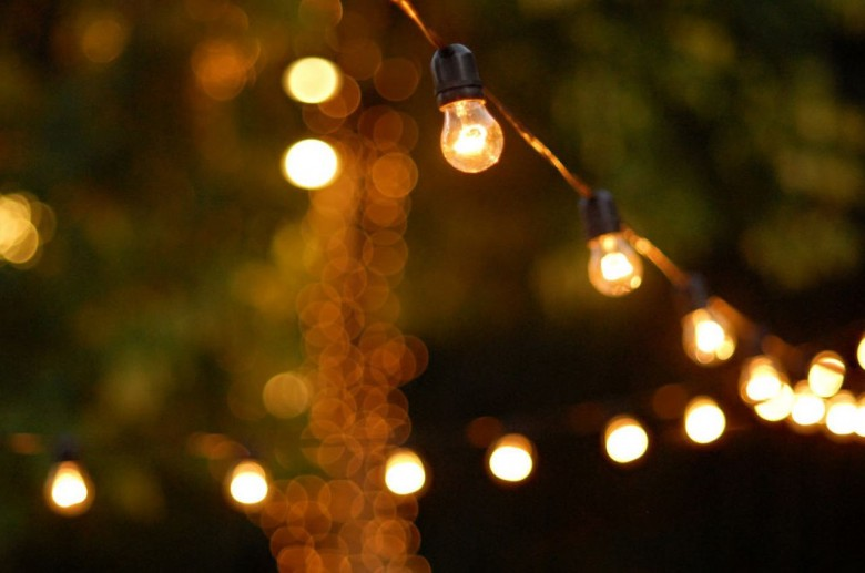 String Christmas Lights Together : Festoon Lighting Inspiration