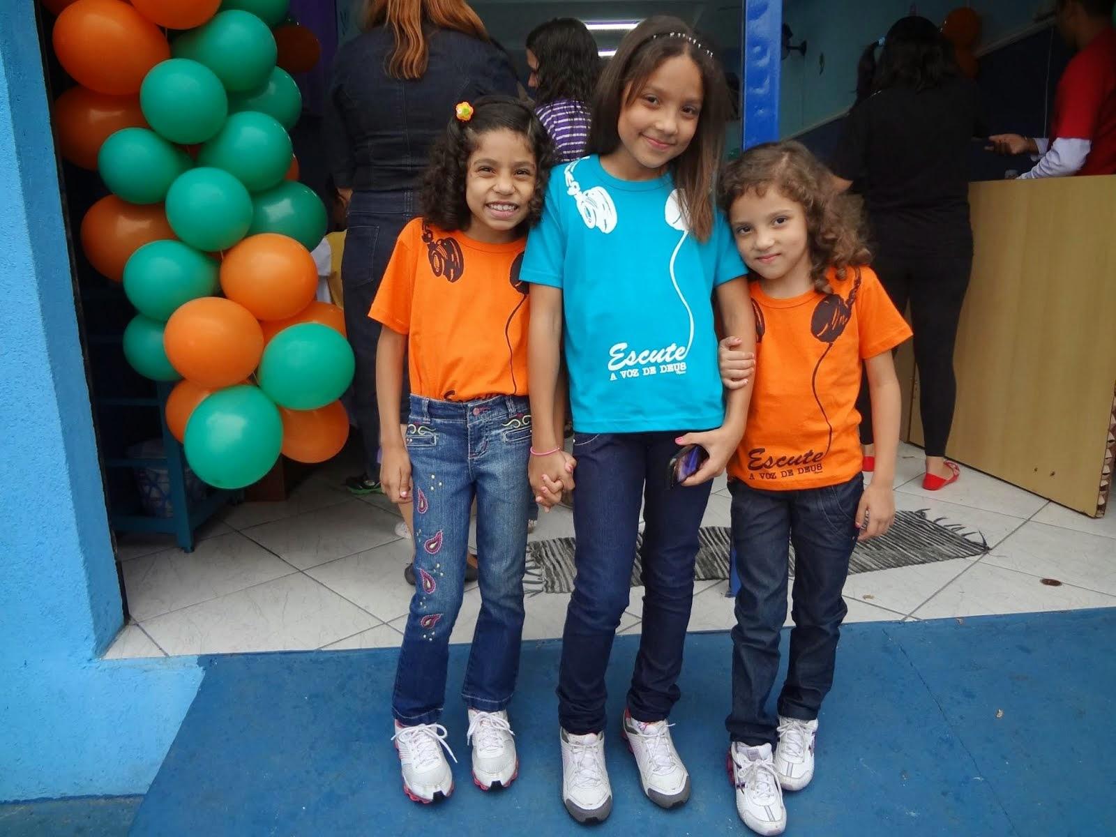 Larissa, Letícia e Livia