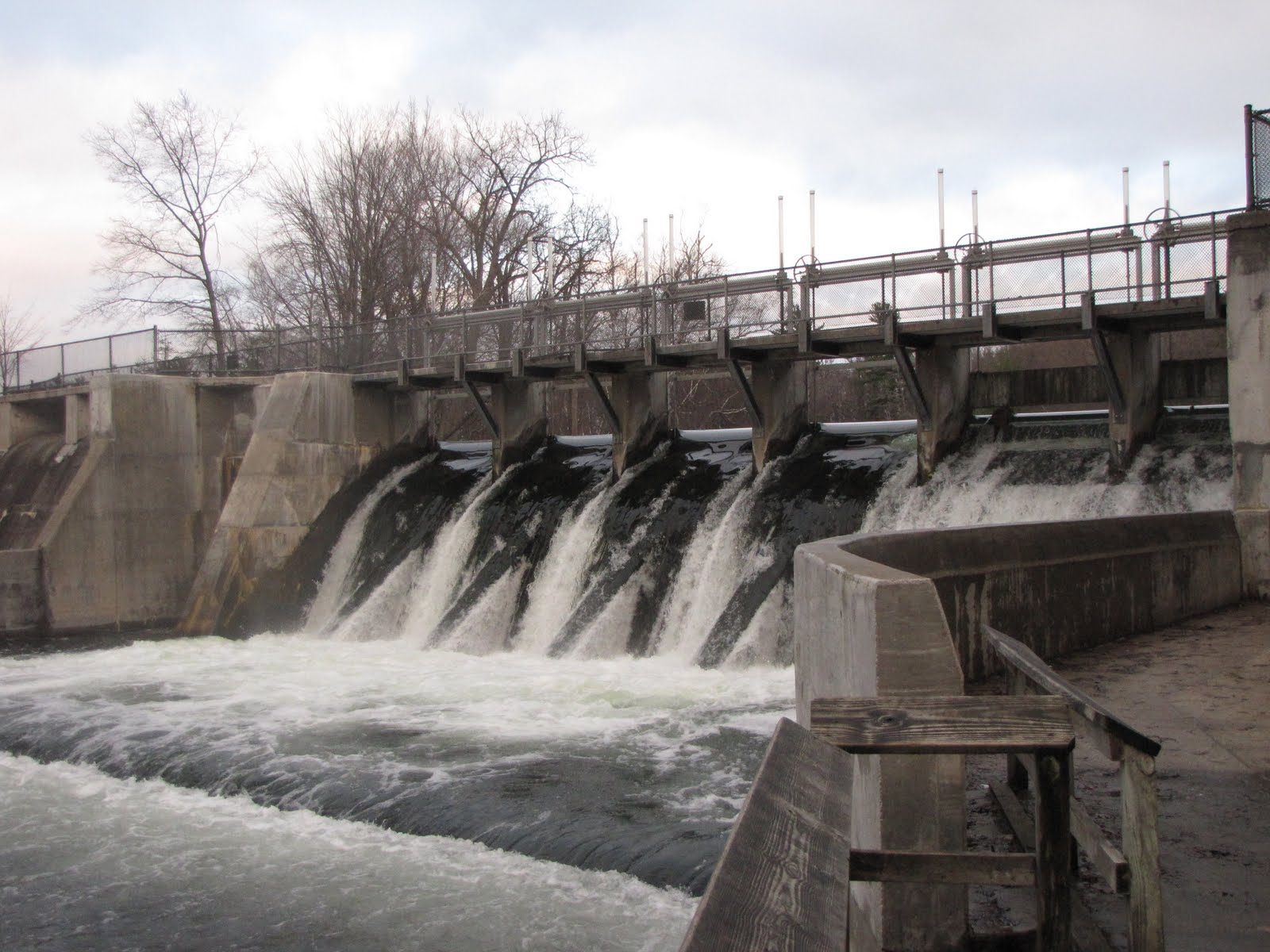 Hamlin Lake dam