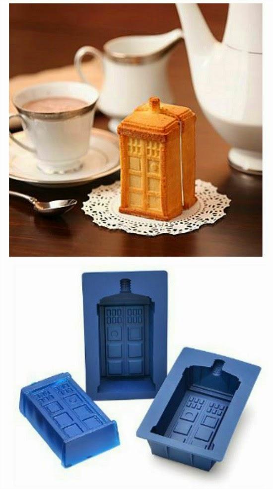 Doctor Who TARDIS cake mould set