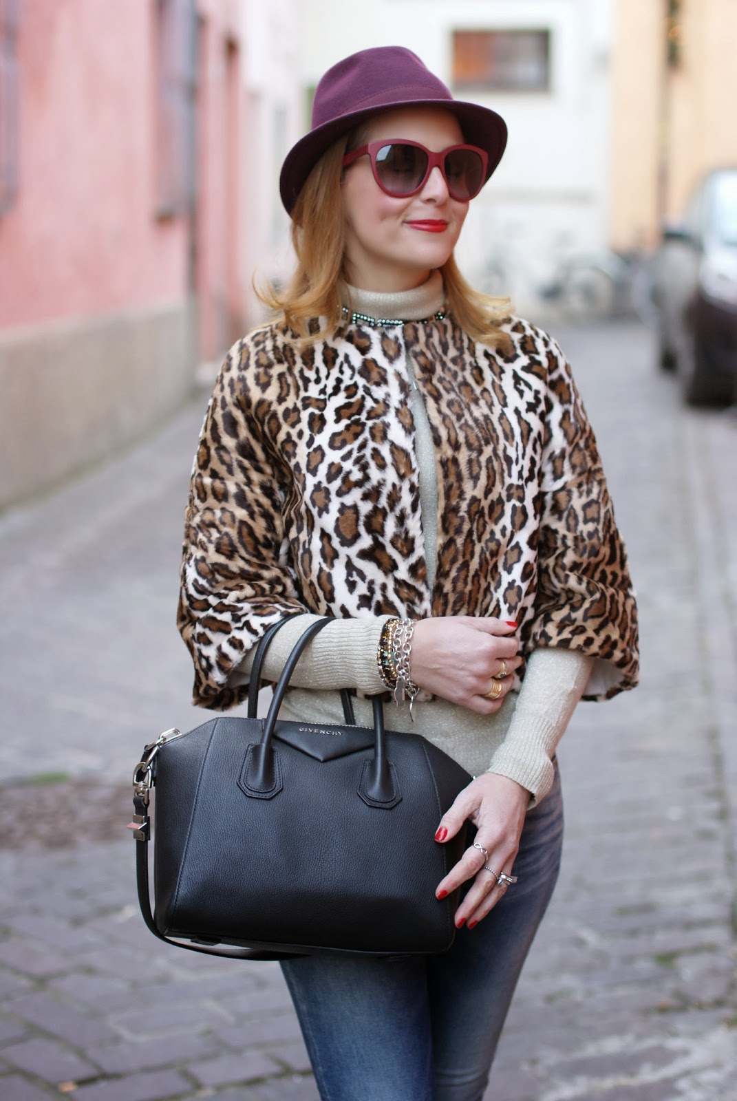 short leopard print furry jacket, burgundy fedora, Nora barth jacket, Givenchy Antigona, Fashion and Cookies, fashion blogger